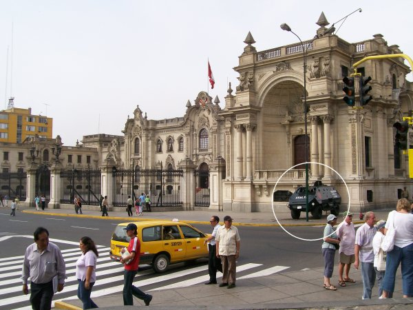 armed guard in Lima